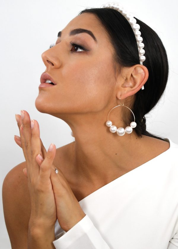 Lustrous Pearl Earrings